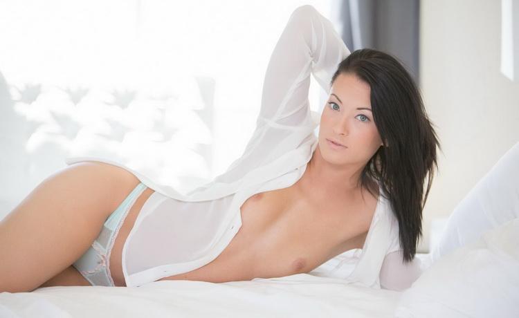 Kelly Diamond - Teen beauty tries Interracial anal sex [Blacked / HD 720p]