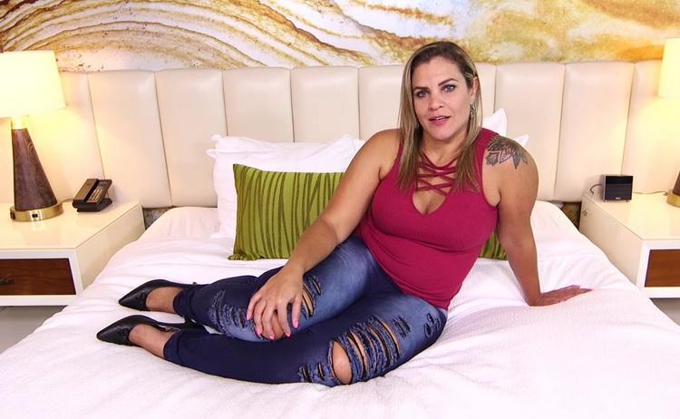 Kiana - Thick MILF with Brazilian booty [MomPov] 2021