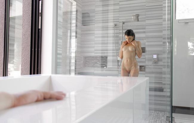 Passion-HD.com: Sensual Shower Starring: Ariel Winters