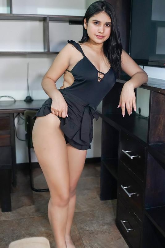 Gaby Gomez - Cheeky Little Chica (2021 VRLatina.com) [     3.23 Gb]