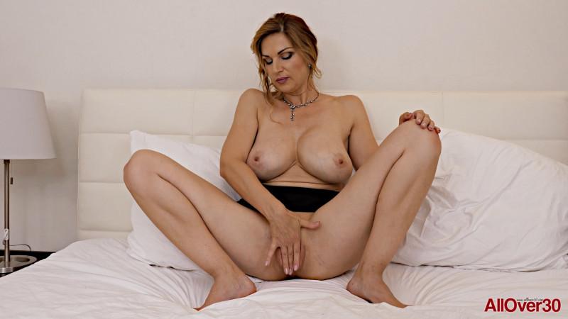 Carol Gold - Mature pleasure [FullHD/1080p/604.95 Mb] AllOver30.com