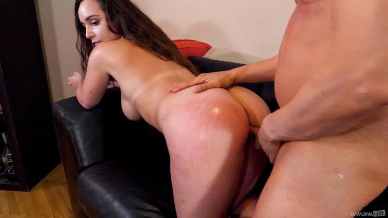 Jessie Clark - Thunderstorm Brings Out The Tiger in Mega Busty Teen / 25.08.2021 [ImmoralLive.com / BlowPass.com / SD 400p]