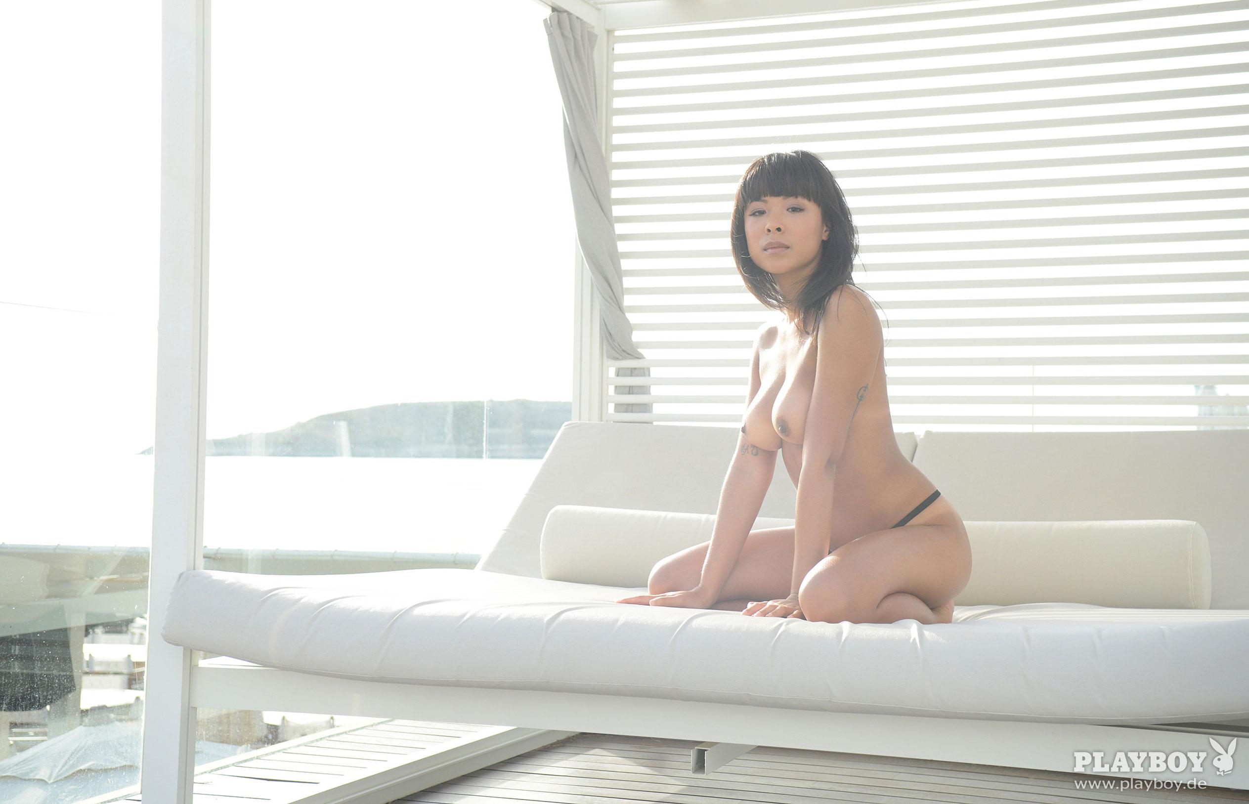 Тхан Нхан - Девушка месяца в Playboy Германия, март 2018 / фото 07