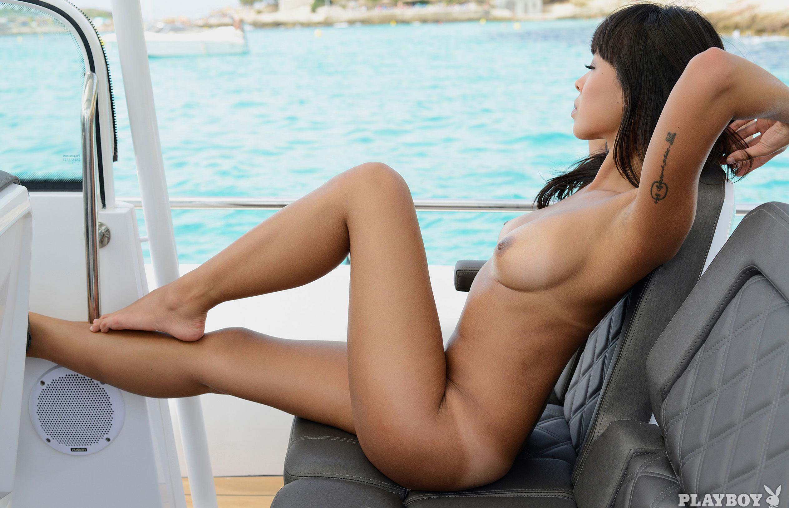 Тхан Нхан - Девушка месяца в Playboy Германия, март 2018 / фото 15