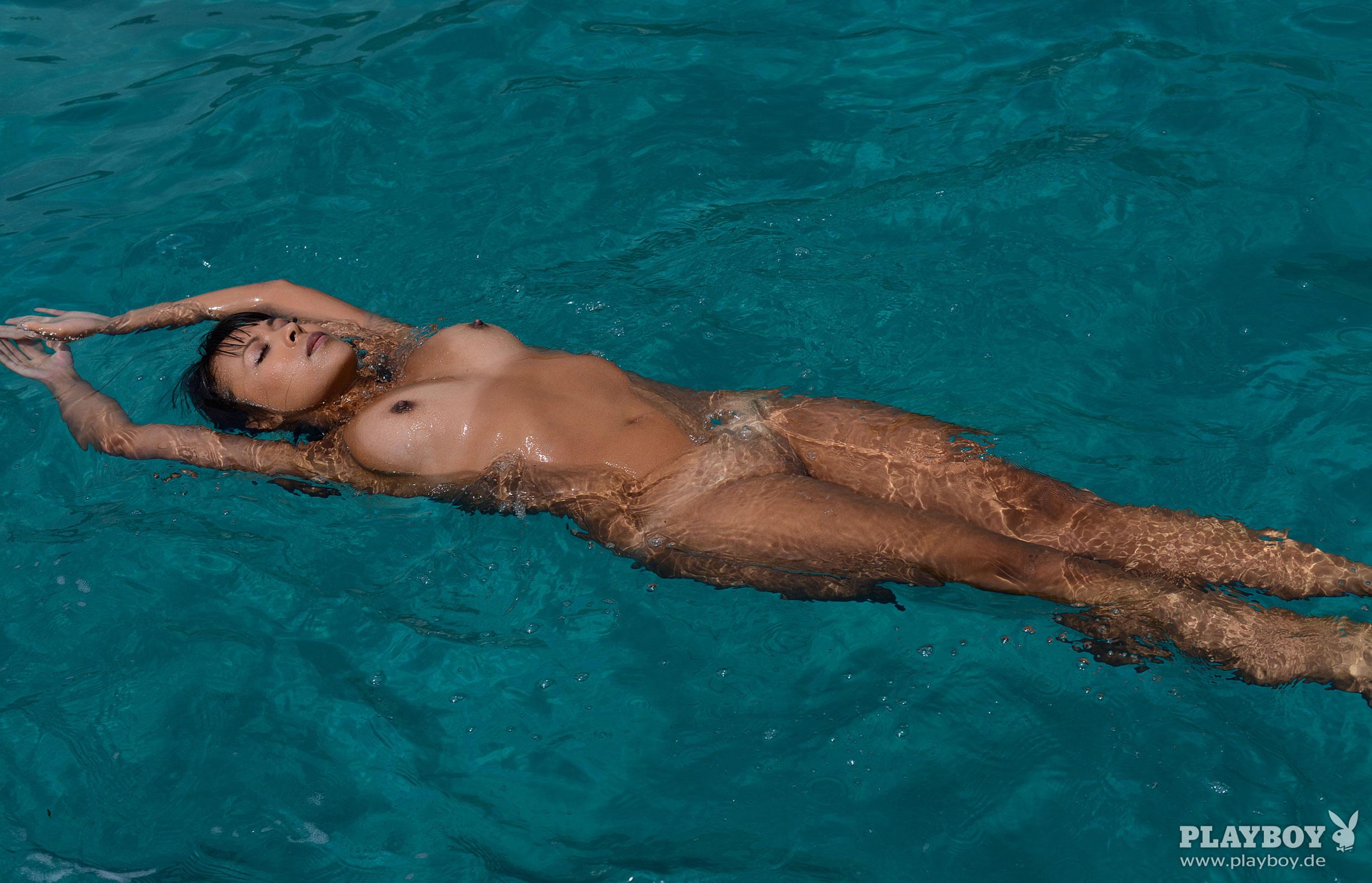 Тхан Нхан - Девушка месяца в Playboy Германия, март 2018 / фото 27