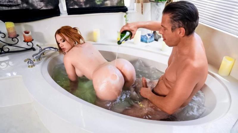 RealWifeStories.com/Brazzers.com-Год производства: 2021 г.: Madison Morgan - What Romantic Evening? [FullHD 1080p] (889.12 Mb)
