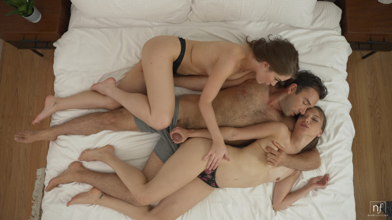 nubilefilms.com: Evelyn Claire, Izzy Lush - Erotic Threesome - S39:E29 [FullHD 1080p] (1.39 Gb)
