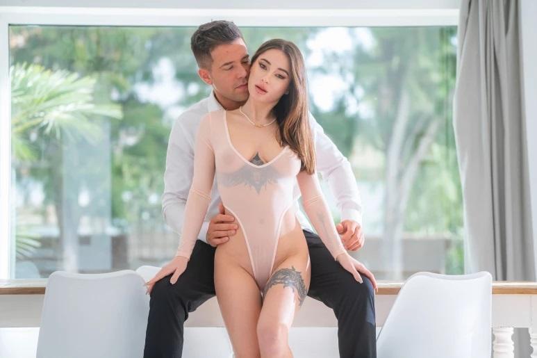 Dorcel.com / DorcelClub.com: Liya Silver - Liya, indecent woman [FullHD|1080p|1.09 GB] - September 17, 2021
