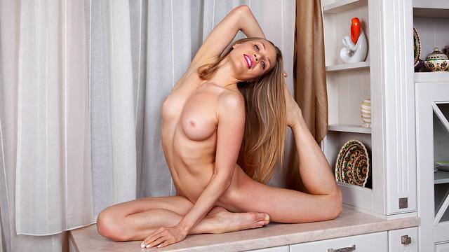 Anilos.com / Nubiles-Porn.com - Ella [Fit And Flexible] (FullHD 1080p) - September 17, 2021