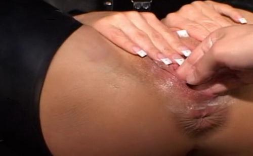 LatexAngel AKA Angelina - FN Latex noir La bite et une main dans la chatte (HD)