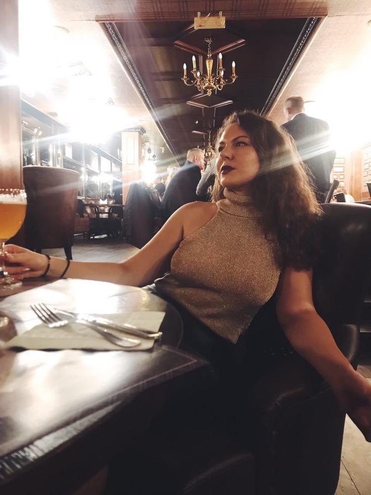 Sofia Curly - The brunette russian girl (2021/DeviantAss) [FullHD/1080p/ 625 MB]