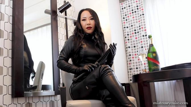 MistressYouko.com/Iwantclips.com: Mistress Youko - Black Leather Dominatrix [FullHD 1080p] (1.46 Gb)