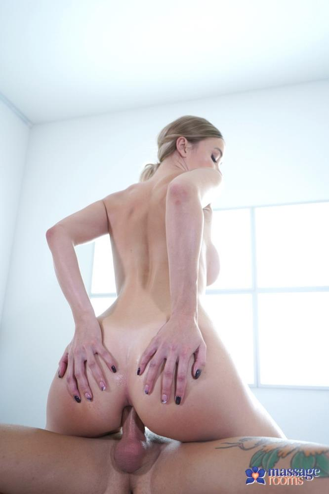 Polina Max - Sexy blonde sensual oil soaked anal (2021/MassageRooms/SexyHub) [FullHD/1080p/ 1020 MB]