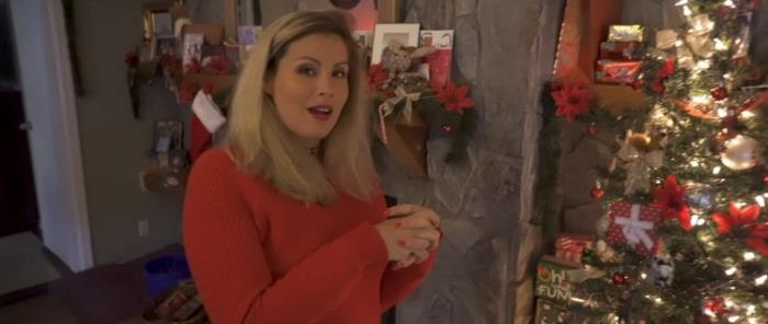 Coco Vandi - Mom And Sons Magical Christmas (2021 WCA Productions clips4sale.com) [FullHD   1080p  511.94 Mb]