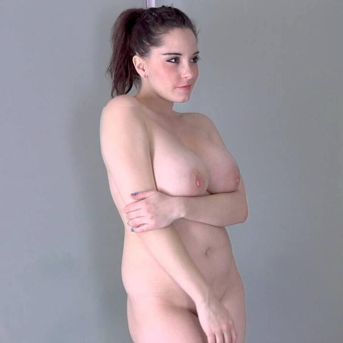 Anabelle - BIG BEAUTIFUL WOMAN IN PHOTOSHOOT FUCK (2021 CzechSexCasting.com PornCZ.com) [2K UHD   2160p  3.99 Gb]