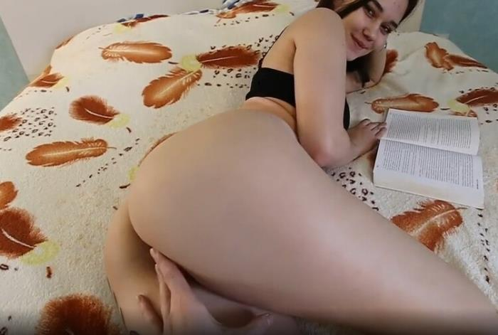 Kate Koss - Distract because i m better than a Book (2021 OnlyFans.com) [2K UHD   2160p  2.57 Gb]