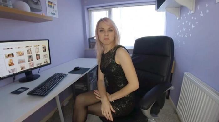 Chloe Toy - Chloe Toy, Porn Stash Bust (2021 JimmyDraws SexLikeReal.com VRporn.com) [4K UHD   2880p  2.07 Gb]