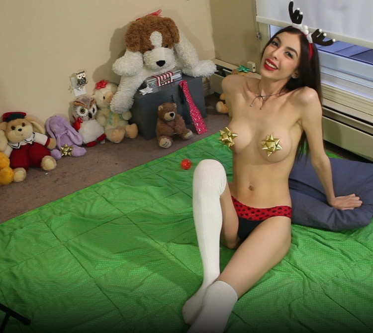 Chloe Night - Raunchy reindeer cums with you joi (2021/ManyVids) [FullHD/1080p/ 1.77 GB]