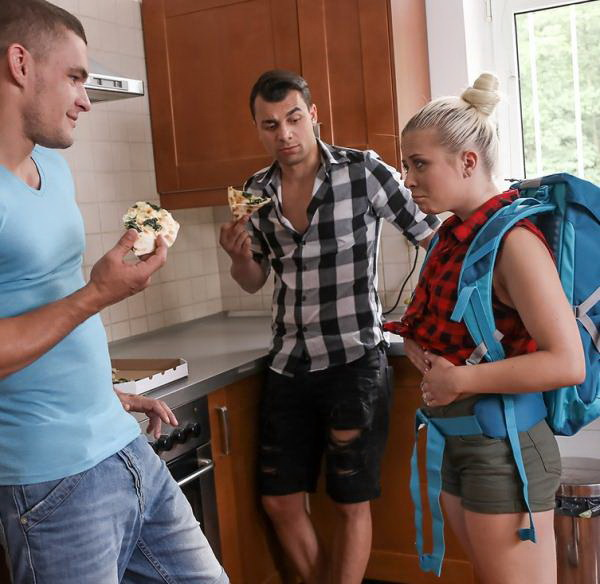 Anna Rey - Famished little traveler gets double helping (2021/FakeHostel) [FullHD/1080p/ 877 MB]