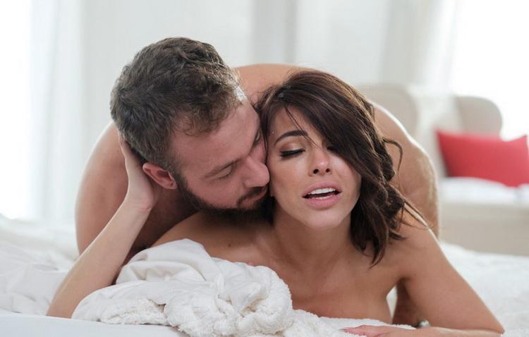 EroticaX - Adriana Chechik - Check Please (1080p/FullHD)