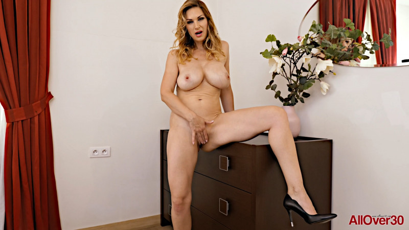 Carol Gold - Mature pleasure [FullHD/1080p/694.28 Mb] AllOver30.com