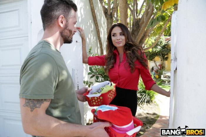 BangBrosClips.com BangBros.com: Anally Helping The Neighbor In Need Starring: Anissa Kate