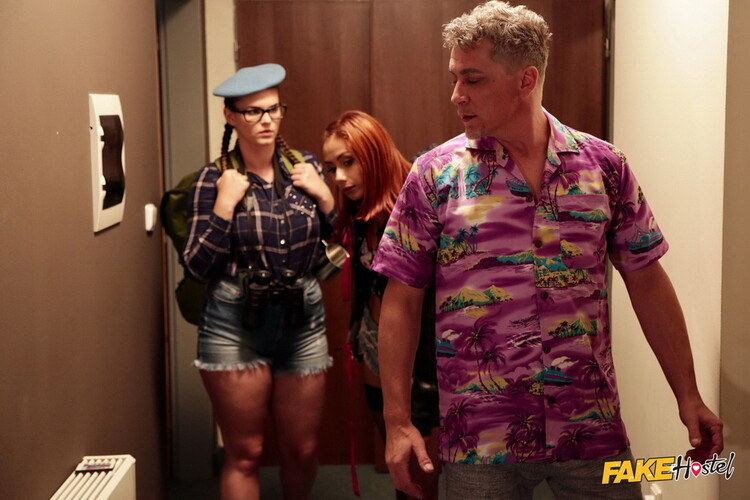 Veronica Leal, Taylee Wood - Slim and Thicc Girl Threesome (FakeHostel/FakeHub/FullHD) - Flashbit