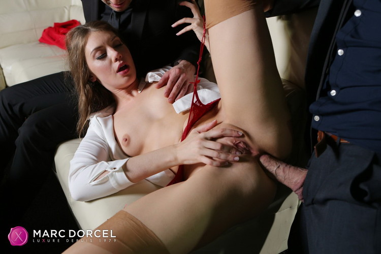 Elena Koshka - Elena Koshka, at your service [DorcelClub / FullHD 1080p]