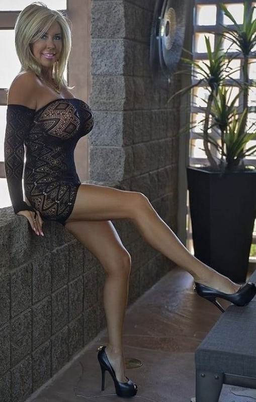 WifeysWorld.com: Kate Negotiation Starring: Sandra Otterson