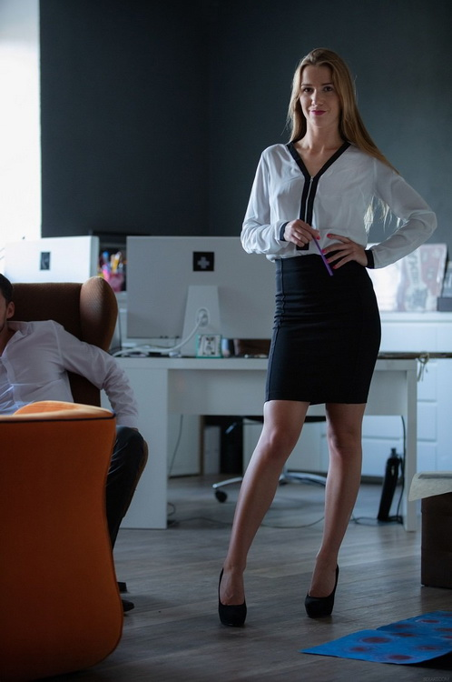 Alexis Crystal - Office Episode 1 - Co-Workers (2021 SexArt.com MetArt.com) [FullHD   1080p  1.11 Gb]