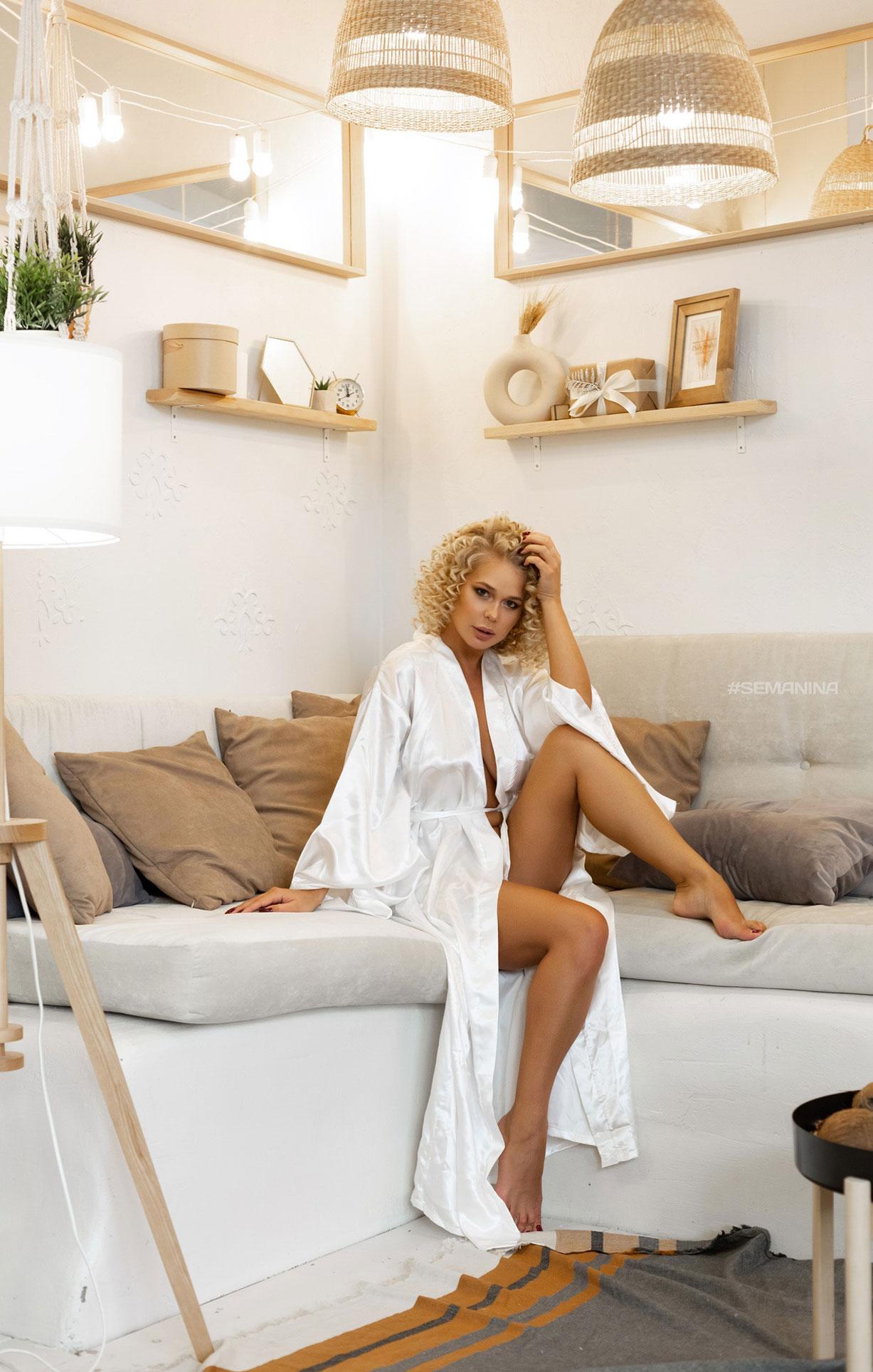 сексуальная Дарина Никитина в нижнем белье и без него / фото 11