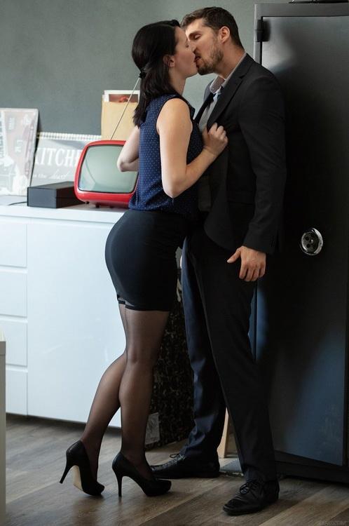 Elena Vega - Office Episode 2 - Fired (2021 SexArt.com MetArt.com) [FullHD   1080p  1.36 Gb]