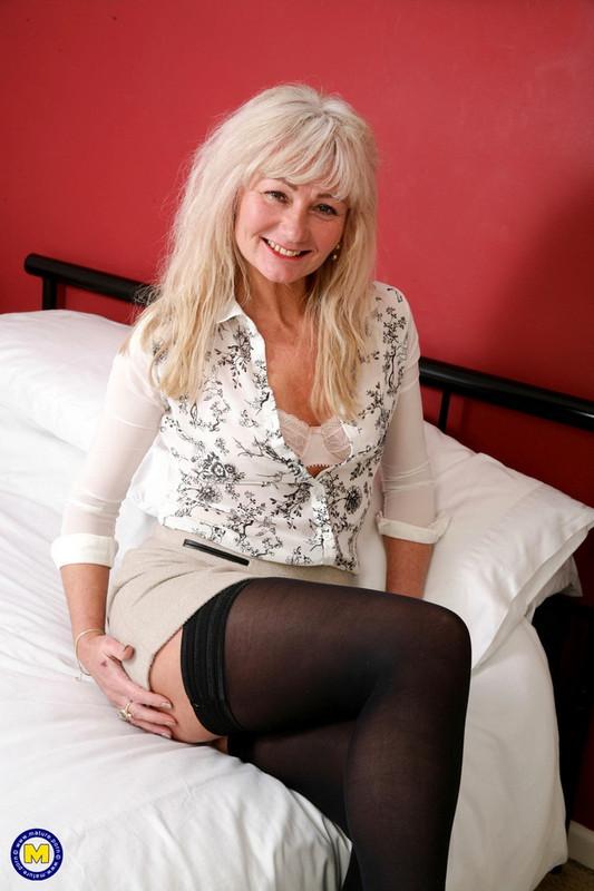 Mature.nl Mature.eu: British housewife Ellen loves fucking and sucking her toyboy Starring: Ellen B. (EU) (48)